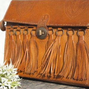 🌻Vintage bohemian fringe leather bag🌻